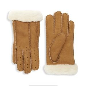 UGG Shearling Lined Perforated Gloves Chestnut